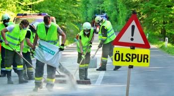 Umwelteinsatz - Drei Kilometer ÖLSPUR