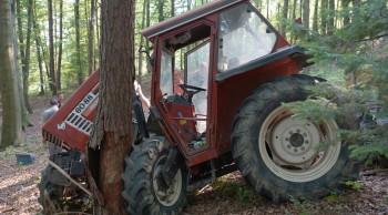 Aufwändige Traktorbergung