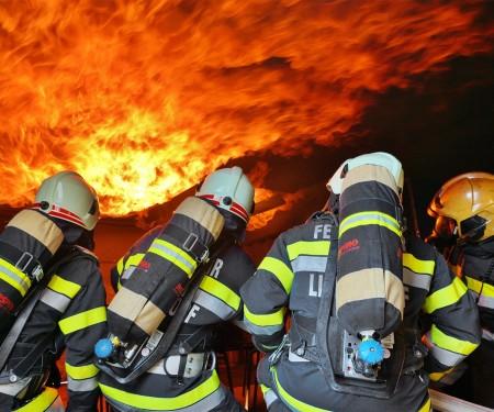 Heißausbildung an der Feuerwehr- und Zivilschutzschule