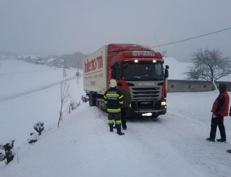 LKW-Bergung in Weißenbach